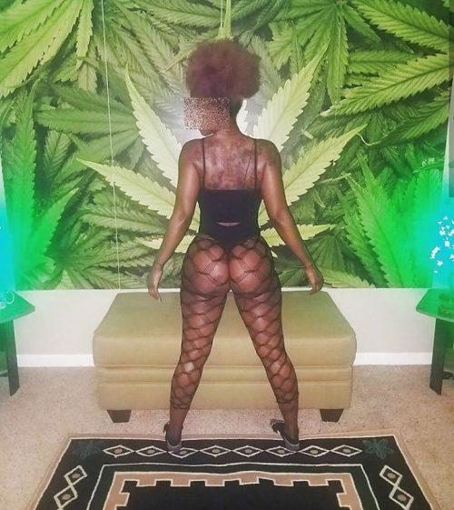 Plan Baise a Saint Martin avec danseuse de twerk